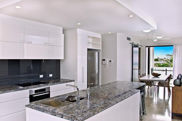 Merauke  Modern  Kitchen  Gold Coast  Tweed  by Coastech
