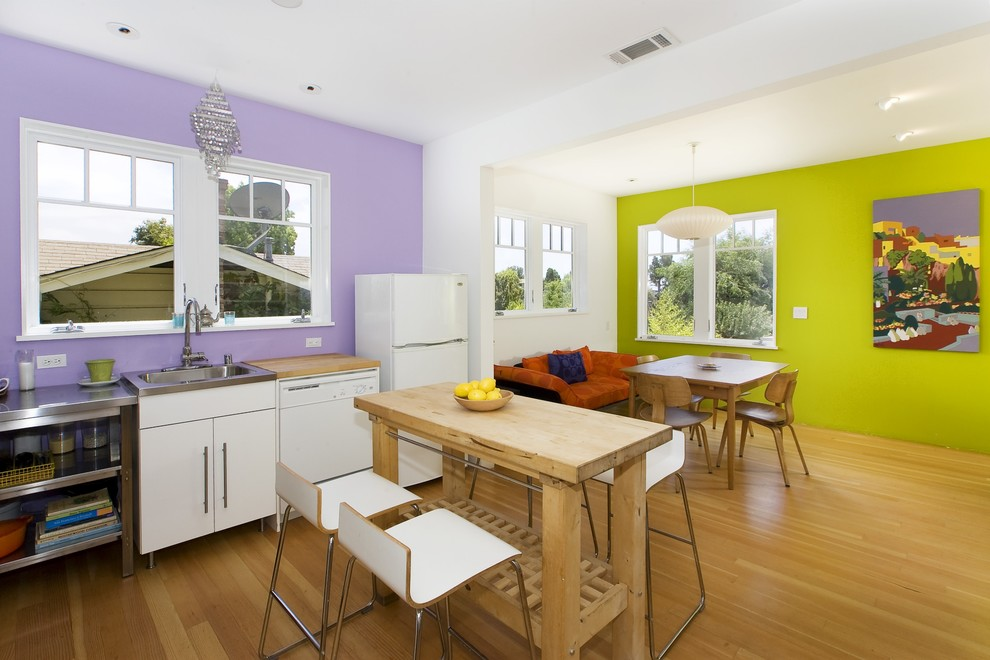 Trendy kitchen photo in San Francisco with white appliances