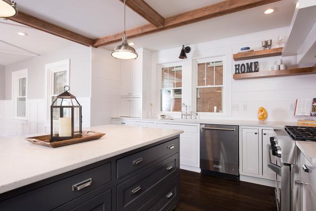 Meridian kessler colonial home remodel kitchen for Kitchen remodel colonial home