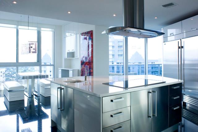 Miami Beach Residence contemporary-koek