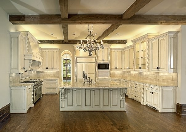Michael molthan luxury homes interior design group traditional kitchen dallas by michael - Luxurious kitchen designs ...