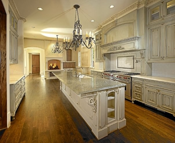 Michael molthan luxury homes interior design group traditional kitchen dallas by michael - Luxury kitchen cabinets ...