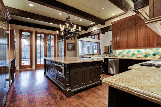 MICHAEL MOLTHAN LUXURY HOMES INTERIOR DESIGN GROUP Mediterranean Kitchen