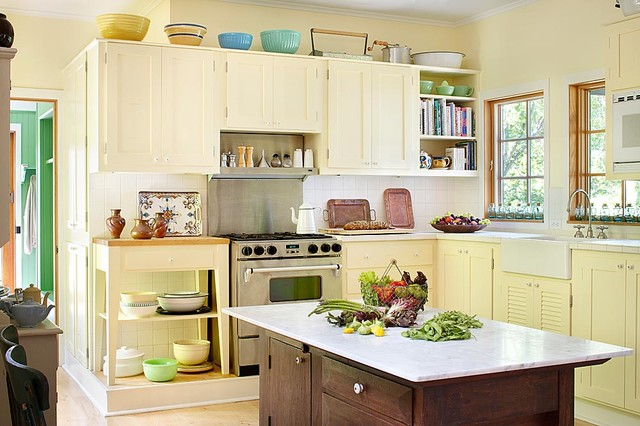 kitchen cream cabinets michigan lake house traditional kitchen chicago by 1034