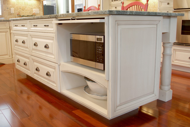 Microwave Cabinet Exposed Traditional kitchen