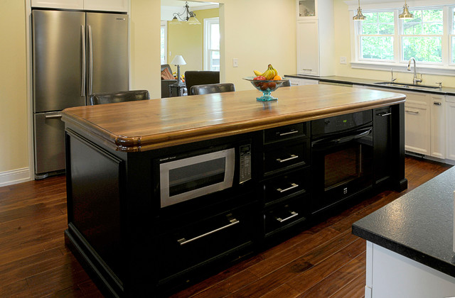 Microwave in Island - Traditional - Kitchen - chicago - by J. Powless Fine Cabinetry