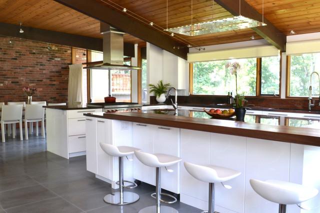 Mid Century Modern Deck House Kitchen Modern Kitchen New York By Interior