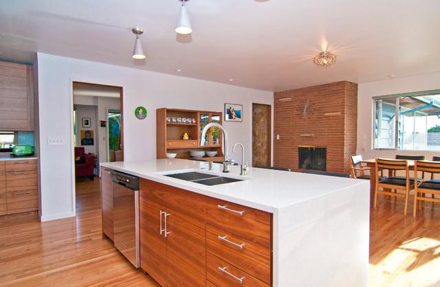Mid century modern kitchen contemporary kitchen seattle for Modern kitchen cabinets seattle