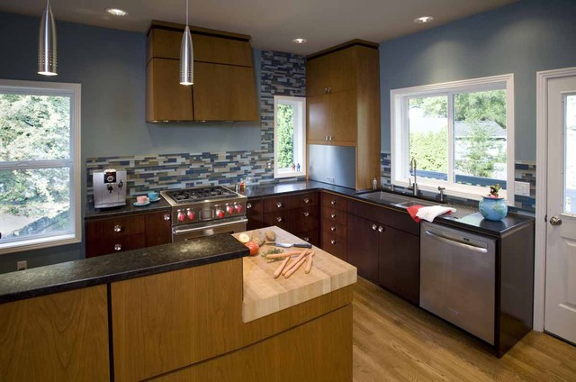 Mid century modern kitchen modern kitchen portland for Mid century modern kitchen cabinets