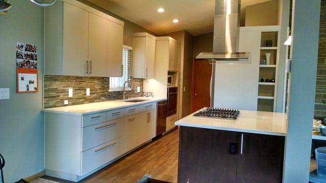 Mid-Century Seattle Kitchen - Midcentury - Kitchen ...