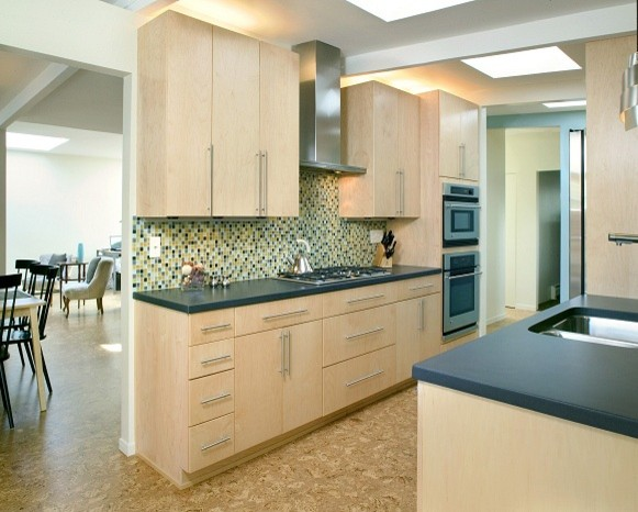 Mid century zen kitchen for Kitchen cabinets zen