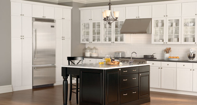 Mid Continent Cabinetry kitchen