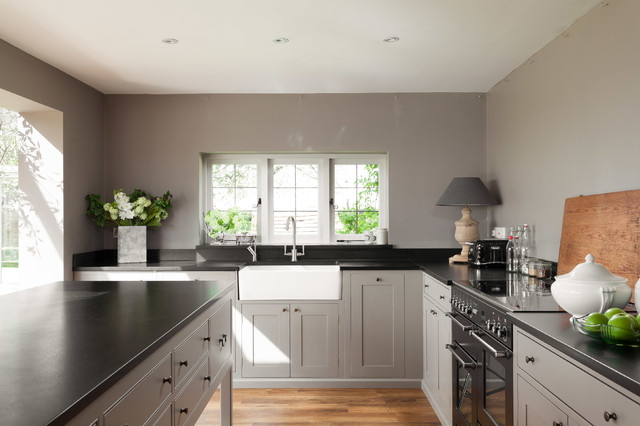 Mid Kent Holiday Home Farmhouse Kitchen