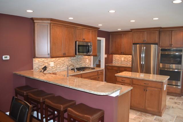 Mid Sized Kitchen Design Transitional Kitchen