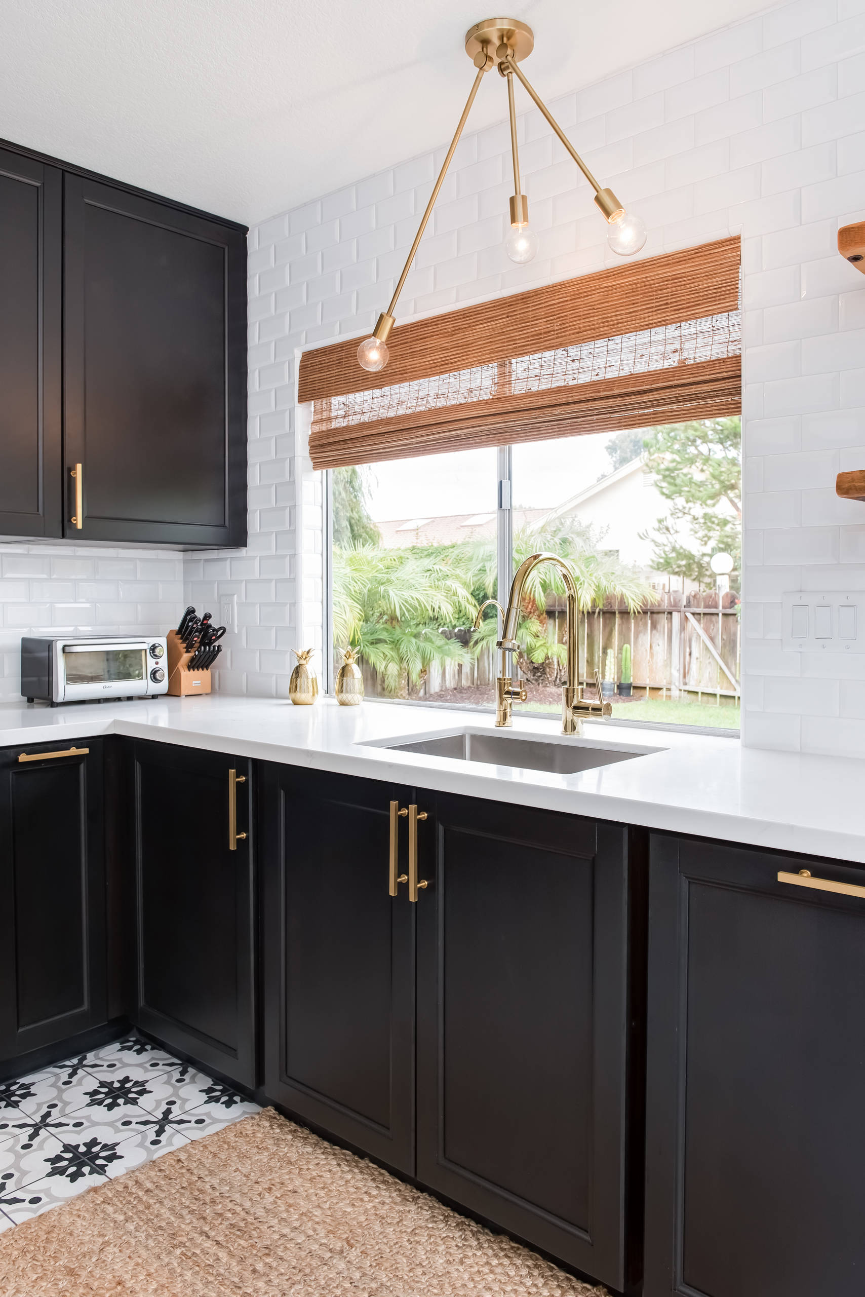 75 Beautiful Mid Century Modern Kitchen With Shaker Cabinets Pictures Ideas January 2021 Houzz