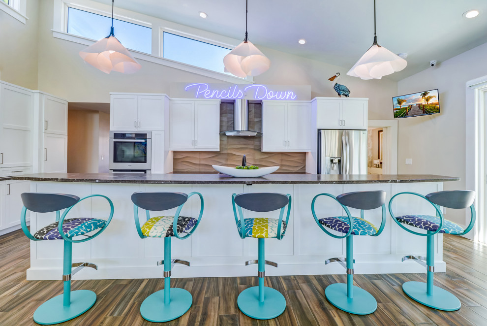 Inspiration for a 1960s kitchen remodel in Tampa