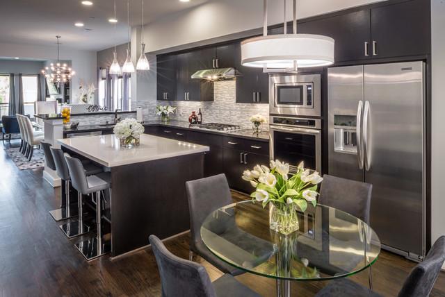 Midtown trendy modern kitchen houston by mauricio for Colorado kitchen designs llc