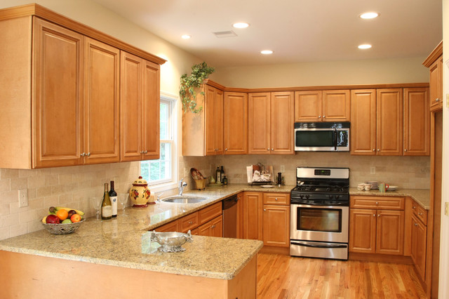 Midwest cabinet company heritage red birch for Midwest kitchen and bath