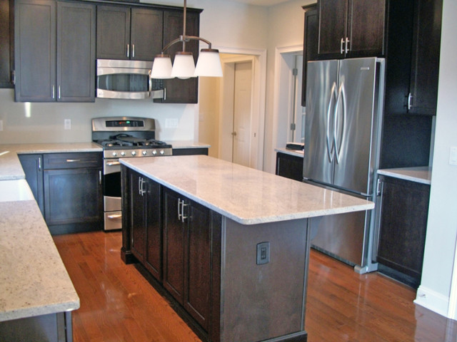 Mike karen brielle nj custom modular home for Traditional modular kitchen