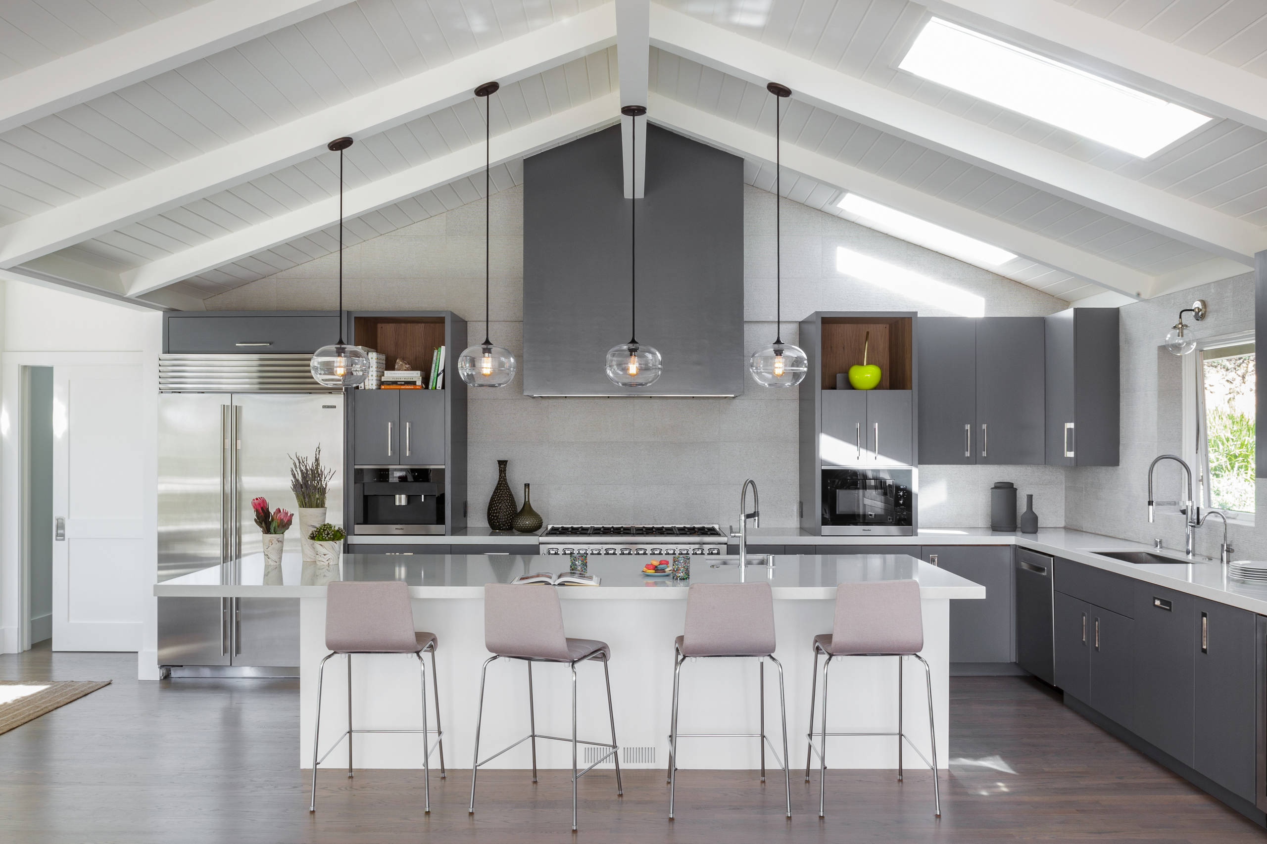 28 Beautiful Vaulted Ceilings Coastal Kitchen Pictures & Ideas