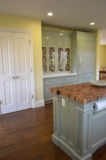 Mill valley carriage house for Carriage house kitchen cabinets