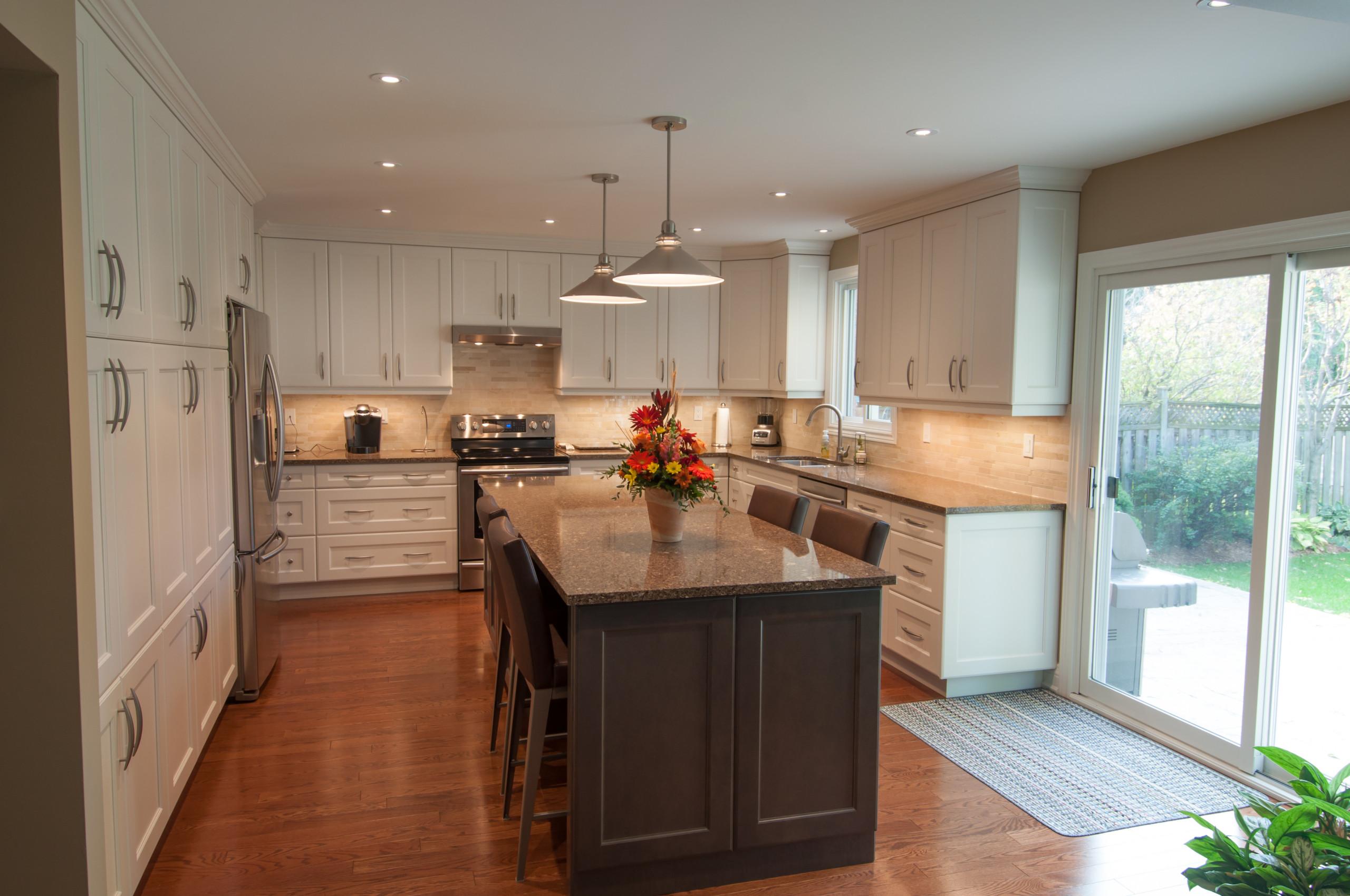 Millcroft Transitional Kitchen