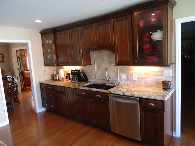 Miller kitchen - Traditional - Kitchen - louisville - by Bethany Crenshaw, AKBD - Lowe's ...