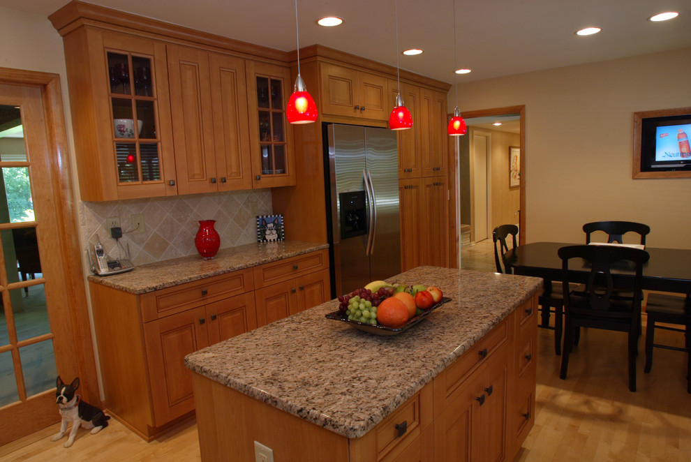 Miller - Traditional - Kitchen - Milwaukee - by Paul Greenspan