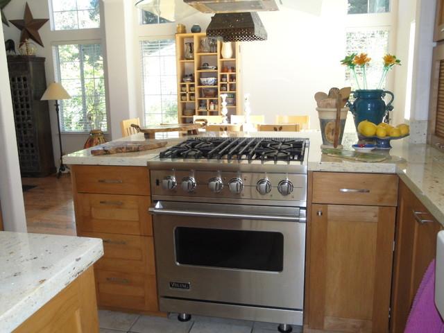Mimi's Kitchen traditional-kitchen