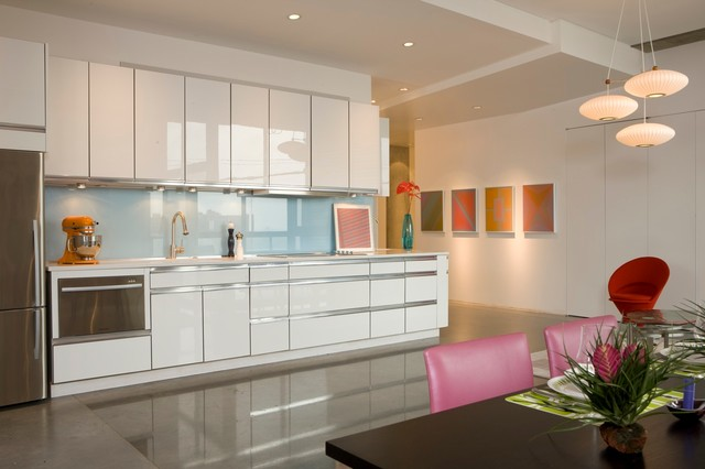 Minimal modern modern kitchen kansas city by for Kitchen design kansas city