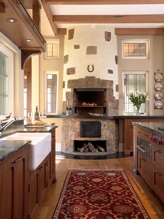 Кухня в частном доме дизайн с печкой