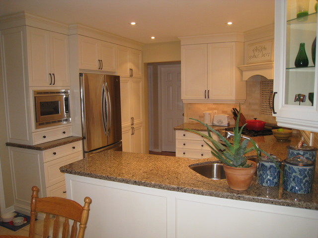 Misc. Kitchens and accessories traditional-kitchen