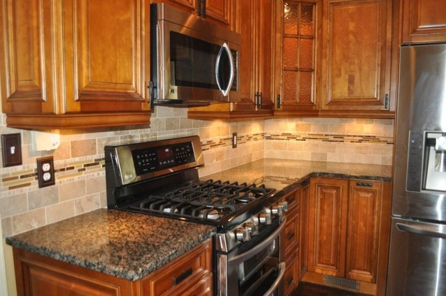 MISS TRADITIONAL traditional-kitchen