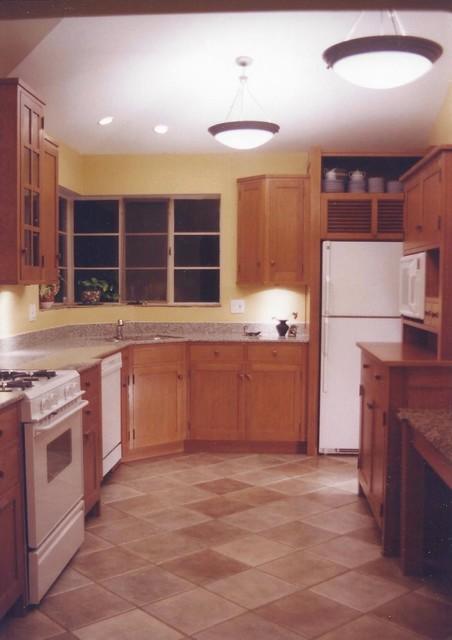 Mission Kitchen traditional-kitchen