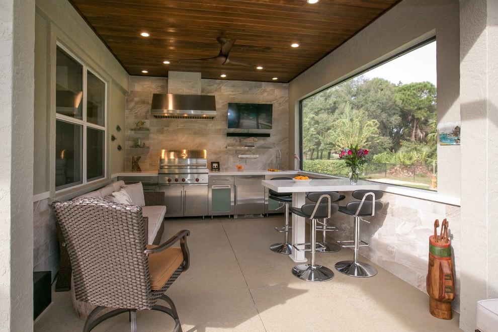 Kitchen - transitional kitchen idea in Tampa