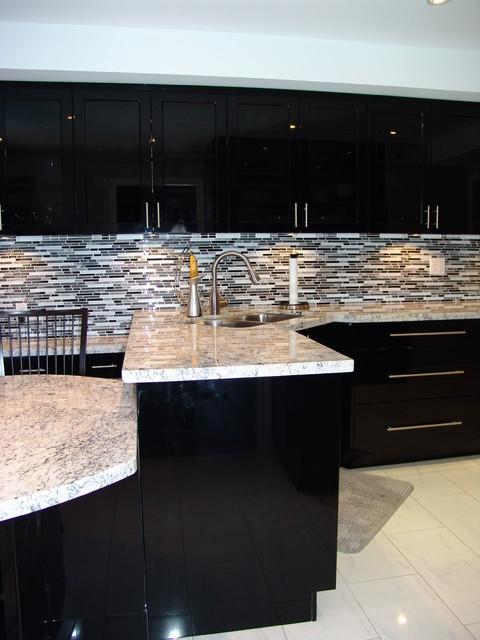 Kitchen Design 11x13 Room: Mississauga Residence