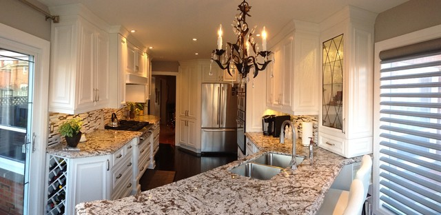 Mississauga Residence traditional-kitchen