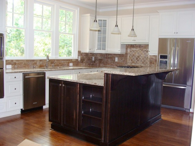 Mix and match cabinets great for entertaining Kitchen design mixed cabinets