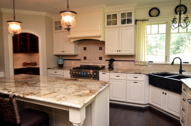 Model Kitchen  Traditional  Kitchen  Other  by Italian Marble