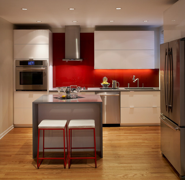 Modern apartment kitchen modern kitchen chicago by for Apartment kitchen design dublin