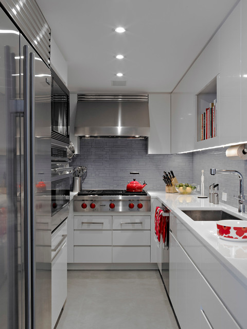 Trendy U Shaped Enclosed Kitchen Photo In New York With Stainless Steel Liances An