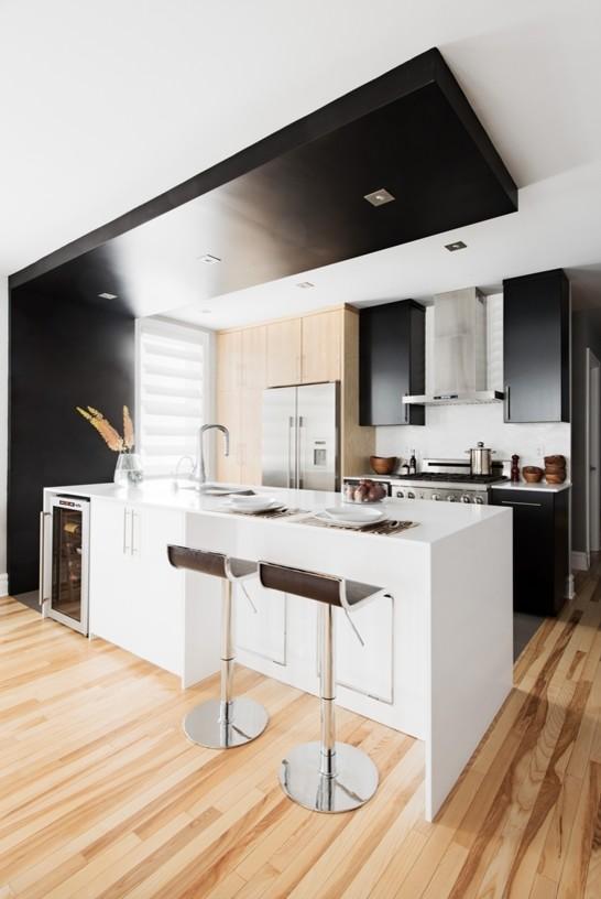 Modern Black And White Kitchen Cuisine Moderne Noir Et Blanc Modern Kitchen Montreal By K Intérieurs