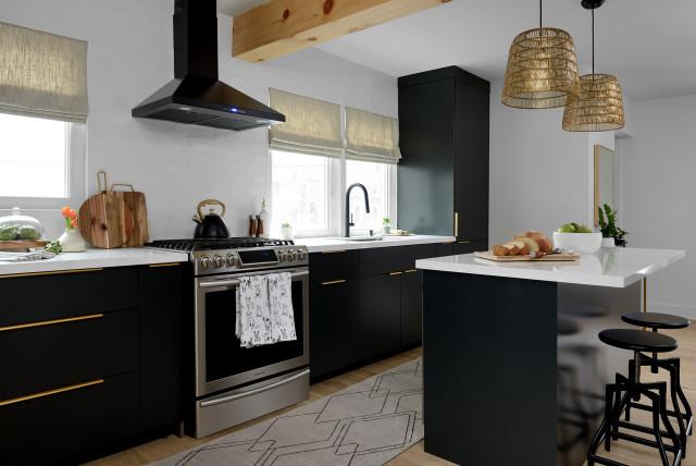Stylish Kitchens With Bold Black Cabinets, Kitchen Cabinets Aurora Ontario