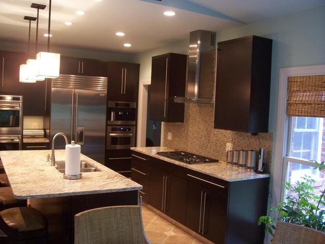 Modern brookhaven cabinet design in greensboro modern kitchen for Brookhaven kitchen cabinets