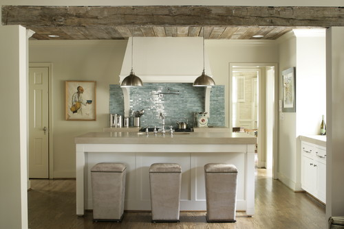 Houzz: Modern kitchen with barnwood
