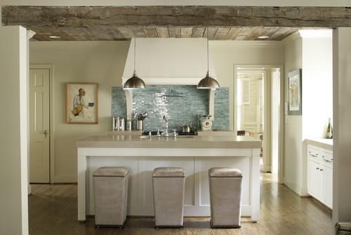 Houzz: Modern kitchen with barnwood