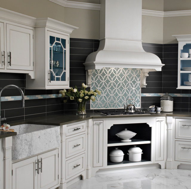 Modern Chinoiserie traditional kitchen