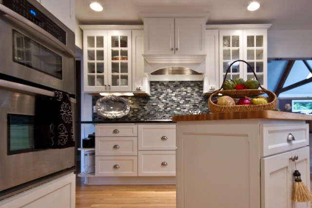 Modern Colonial Kitchen Remodel Traditional Kitchen