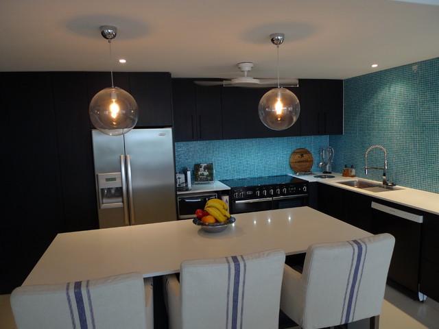 G+T Apartment modern-kitchen