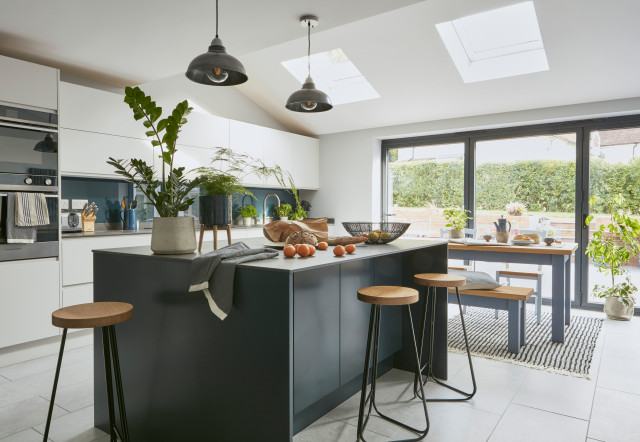 6 Ideas For Creating A Modern Kitchen In A Country Home Houzz Uk
